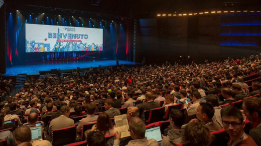 Interested Crowd at OpenStack Summit Paris